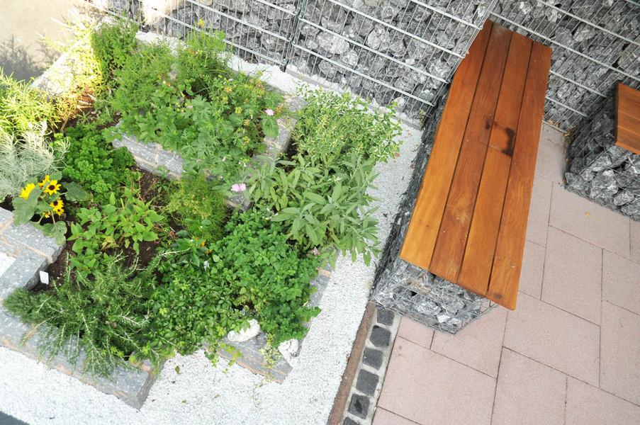 mosaik au enanlagen natursteinarbeiten terrassen. Black Bedroom Furniture Sets. Home Design Ideas